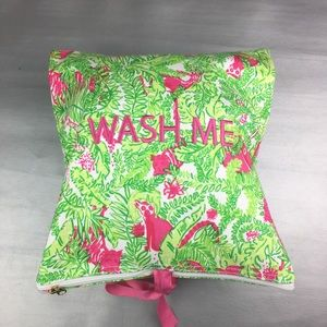Lilly Pulitzer wash me/ wear me travel bag